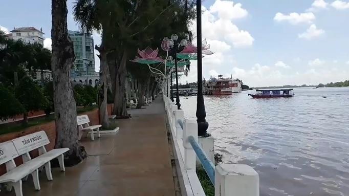 Bến Ninh Kiều sông nước hữu tình